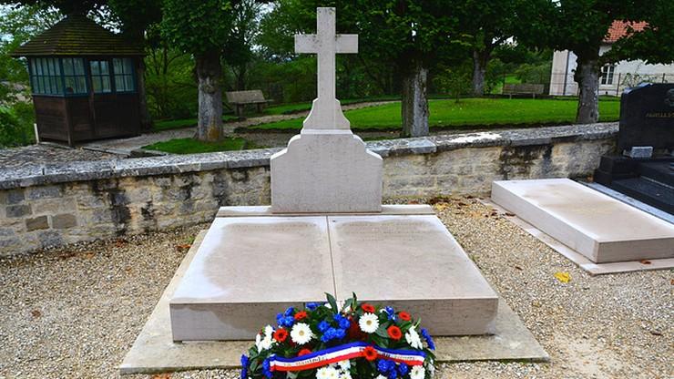 Wandale zdewastowali grób Charles'a de Gaulle'a