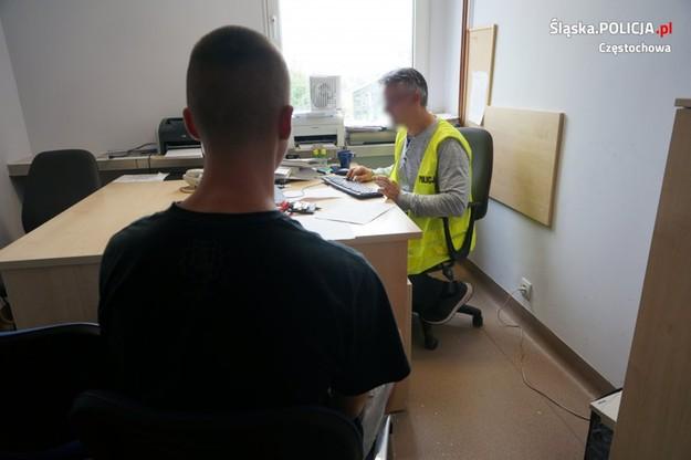 Sprawcy ataku na nastolatka zostali zatrzymani przez funkcjonariuszy z wydziału kryminalnego częstochowskiej policji.