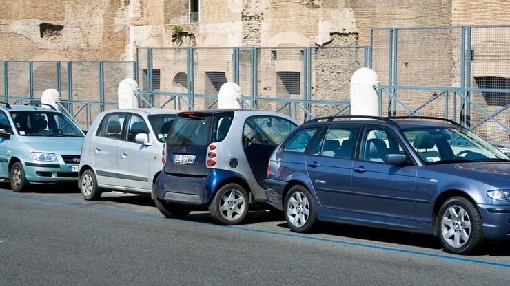 Szczęście włoskich kierowców: nie ma terminala, parking za darmo
