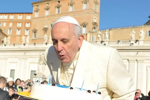 10 przykazań wg komika - papież pod wrażeniem