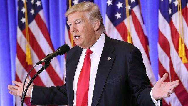 Trump odrzuca doniesienia o rzekomych rosyjskich materiałach