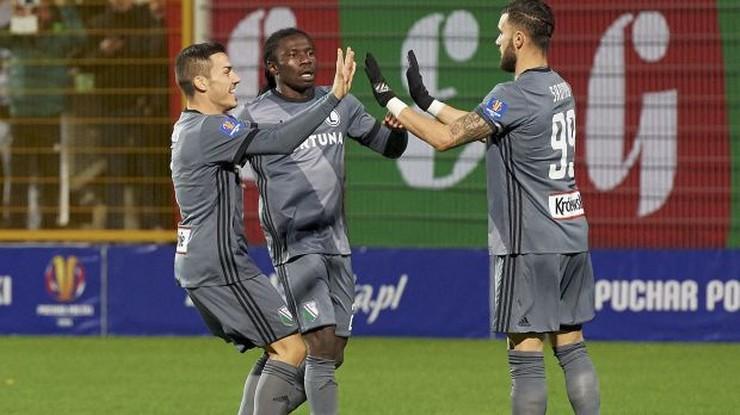 Nie gra w Legii Warszawa z powodu rasizmu? Skandaliczny zarzut!
