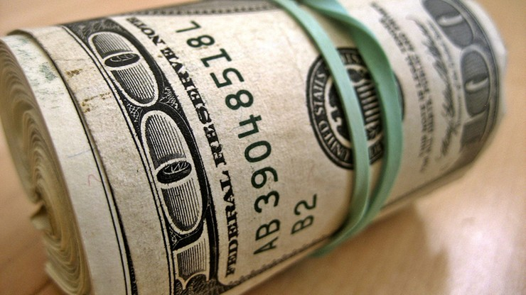 """Firmy, przez które można stracić pieniądze. KNF publikuje """"Listę Ostrzeżeń Publicznych"""""""
