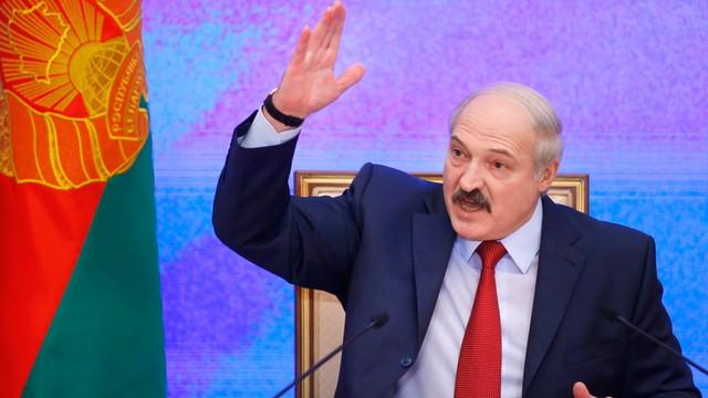 """Białoruś: Łukaszenka prosi Ukrainę, żeby nie """"podrzucała"""" bojowników"""