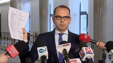 """""""Tak się cenzuruje stenogram sejmowy"""". Szczerba twierdzi, że zmieniono jego wypowiedź w zapisie posiedzenia z 16 grudnia"""