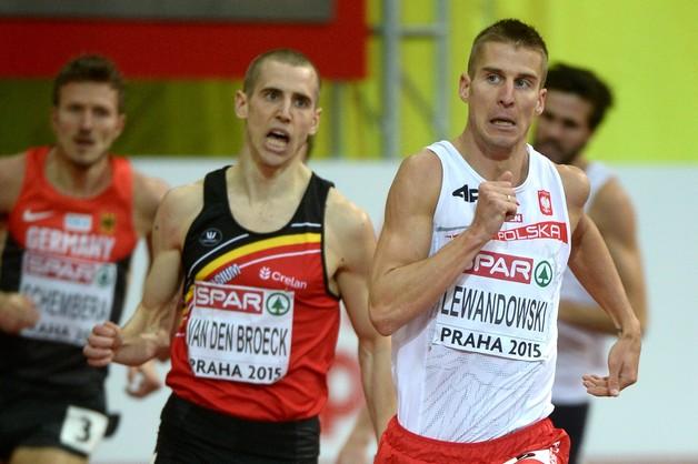 Marcin Lewandowski złotym medalistą na 800 metrów
