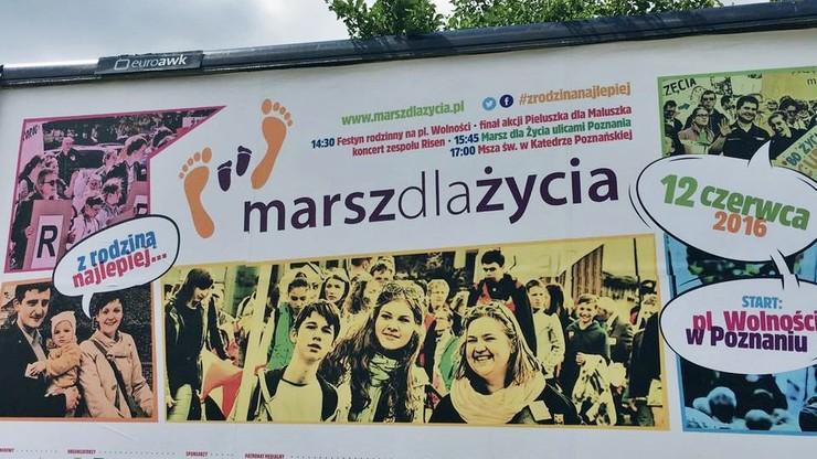 """W Poznaniu dziś """"Marsz dla życia"""". Przejdzie pod hasłem """"Z rodziną najlepiej"""""""