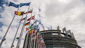 19-10-2016 19:40 Prawie dwie trzecie Polaków zdecydowanie za pozostaniem w Unii Europejskiej