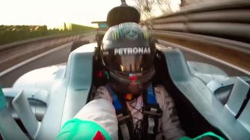2016-12-21 Ostatnie okrążenie Rosberga. Niemiec zrobił selfie za kierownicą! (WIDEO)