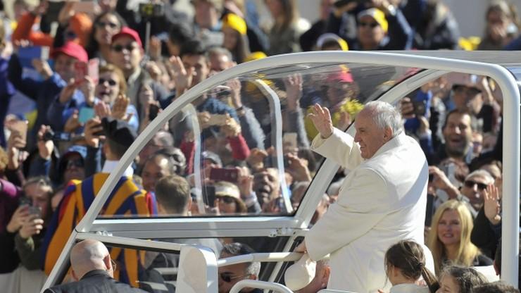 Samochód dla papieża w Egipcie nie będzie opancerzony