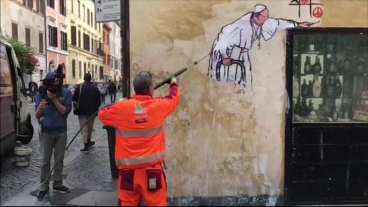 W rzymie niezadowolenie po usuni ciu muralu z papie em for Mural z papiezem franciszkiem