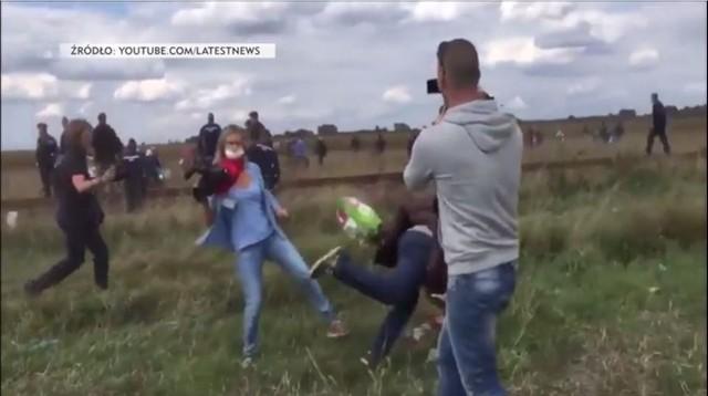 Dziennikarska podstawiła mu nogę, pomoc zaoferowała akademia piłkarska