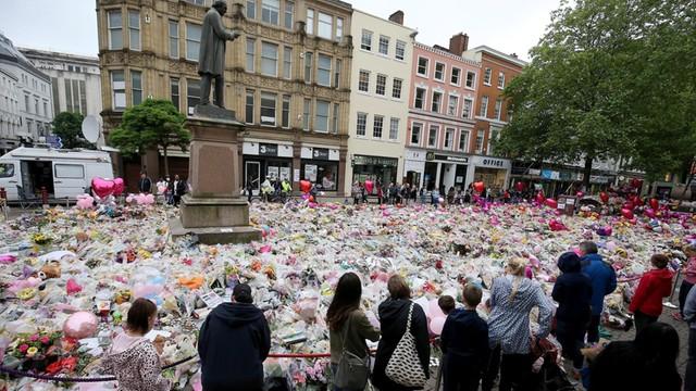 Już 14. osoba zatrzymana w związku z atakiem w Manchesterze