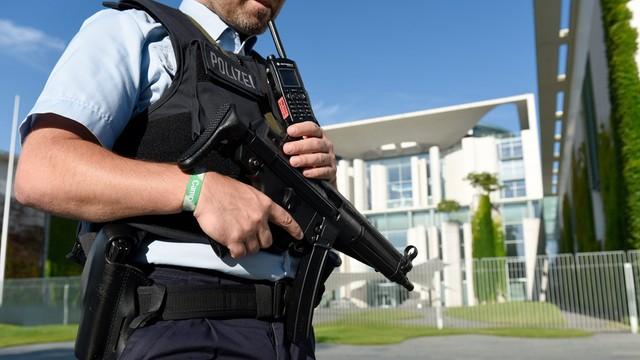 Policja: strzelanina w Monachium czynem szaleńca, brak związków z IS