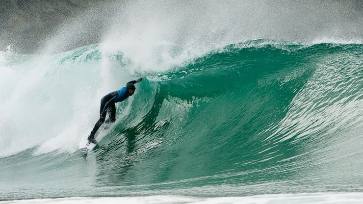 Australia: surfer ocalał, bo kolega znał się na pierwszej pomocy