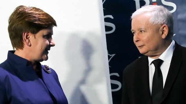 Niemieckie media o Polsce: Prezes otoczył Szydło narodowymi twardogłowymi