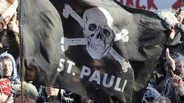 2017-02-14 Kibice St. Pauli naśmiewali się z ofiar II wojny światowej...
