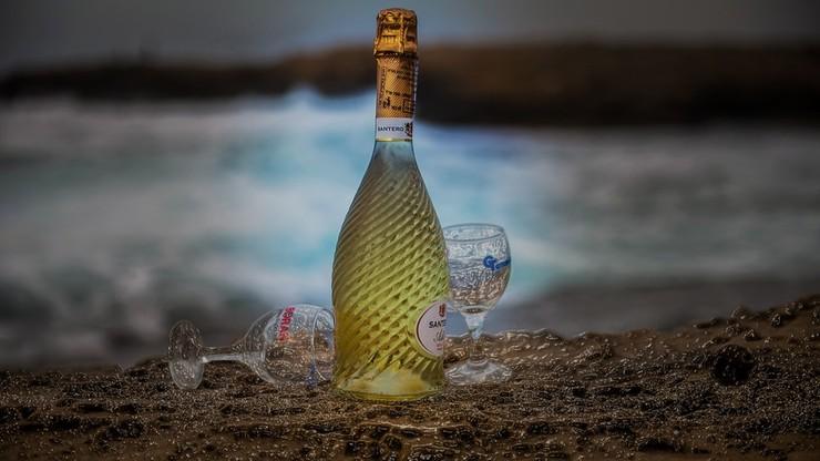 Wino z dna oceanu. Tak dojrzewający trunek sprzedawać będą w Portugalii