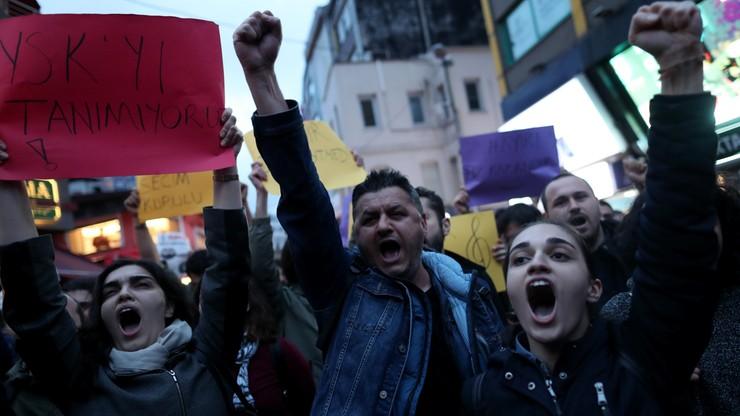 Turecka opozycja złożyła wniosek o unieważnienie referendum