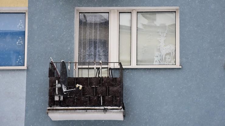 """Martwe noworodki odnalezione na balkonie w Iławie urodziły się żywe. """"Byli to chłopcy"""""""