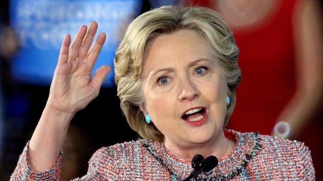 Clinton obwinia szefa FBI za swoją przegraną w wyborach