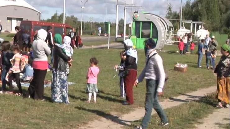 Uchodźcy z Czeczenii koczują na granicy z Polską