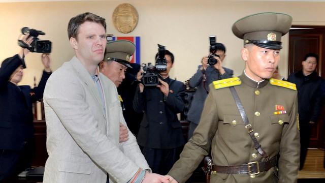 Korea Północna uwolniła amerykańskiego studenta. Jest w śpiączce