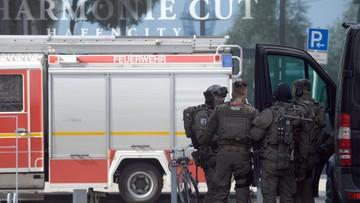 07-07-2017 17:11 Starcie przed filharmonią w Hamburgu. 200 ekstremistów zaatakowało policję