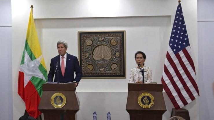 Kerry apeluje do nowych władz Birmy o kontynuowanie reform