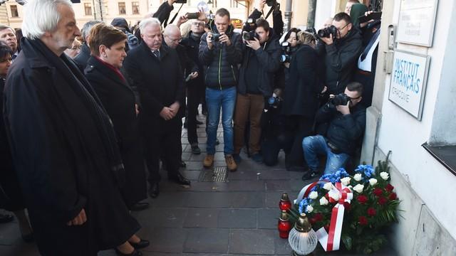 Szydło: łączymy się z narodem francuskim i rodzinami ofiar