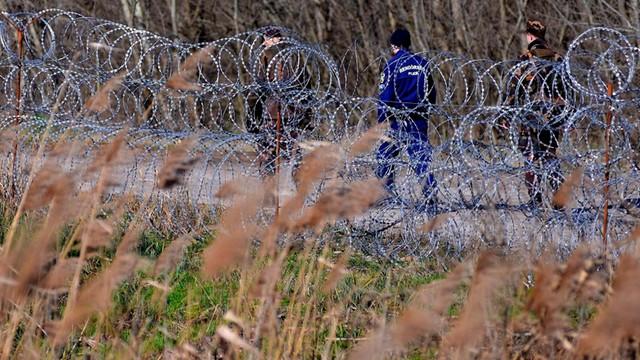 Węgry: siedmiu imigrantów uciekło ze strzeżonego ośrodka
