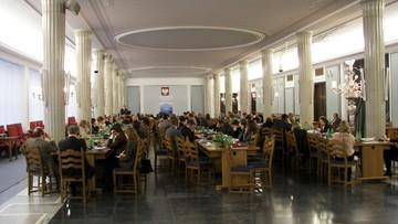 Ponad 130 posłów przesłuchanych ws. posiedzenia w Sali Kolumnowej