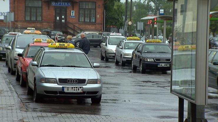 Napad na taksówkarza - zatrzymano trzy osoby