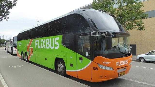 Autokary PolskiegoBusa.com będą przemalowane na barwy FlixBusa