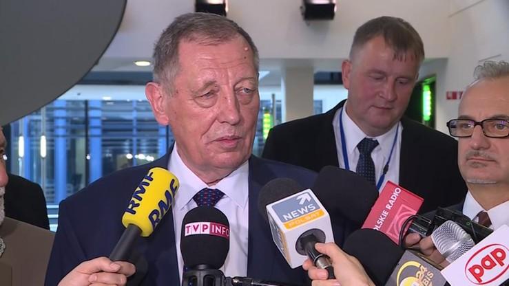 Dwa zawiadomienia o podejrzeniu popełnienia przestępstwa przez ministra środowiska trafiły do prokuratury