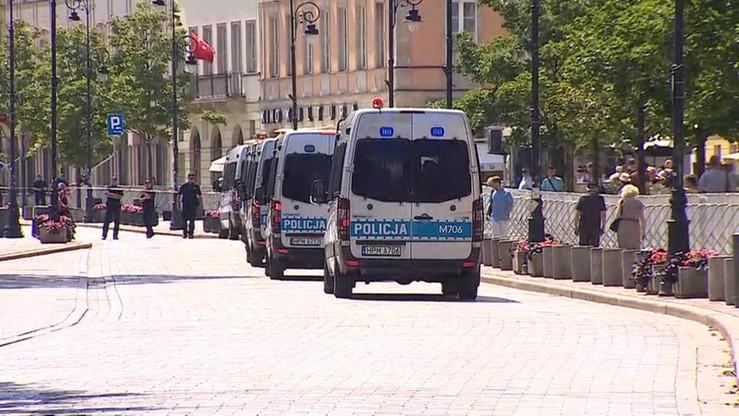 Zabezpieczenie zgromadzeń z 10 lipca kosztowało policję więcej niż wszystkie miesięcznice w 2015 roku