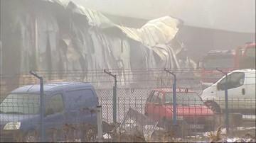 27 zastępów straży pożarnej i 110 strażaków gasiło pożar w zakładzie lakierniczym w Niepołomicach