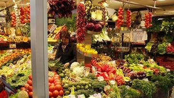 01-02-2017 06:36 Kosmiczne ceny sałaty i szpinaku z importu. Tanieją polskie warzywa