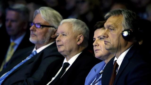Le Figaro o Kaczyńskim i Orbanie: Grupa Wyszehradzka nie przestaje pałać gniewem