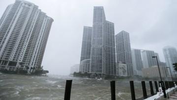 10-09-2017 22:12 Huragan Irma atakuje Florydę. Są ofiary śmiertelne