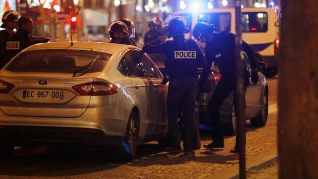 Strzelanina na Polach Elizejskich w Paryżu. Nie żyje policjant