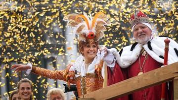 06-02-2016 19:39 Fala turystów zalała Wenecję. Karnawałowa zabawa trwa w najlepsze