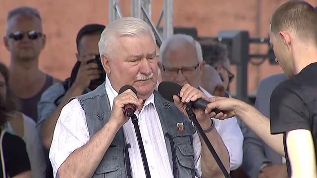 Wałęsa na proteście w Gdańsku: Mimo swojego stanu... zawsze będę z wami