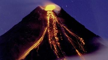 15-01-2018 06:59 Z wulkanu na Filipinach zaczęła wydobywać się lawa. Ewakuowano 9 tys. osób