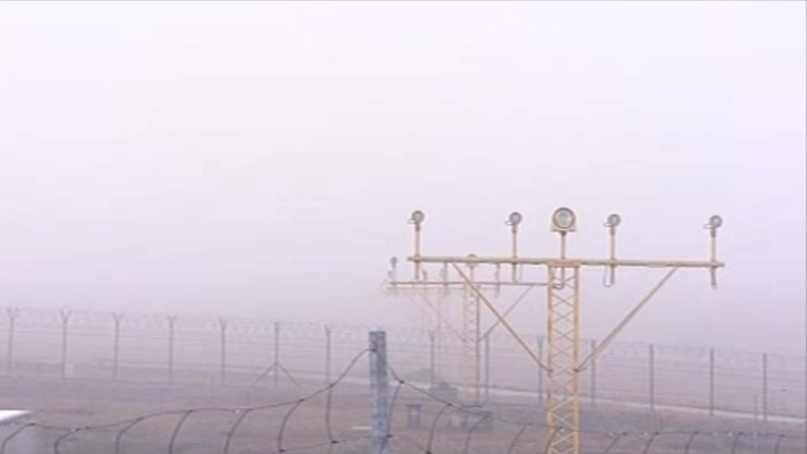 Gęsta mgła sparaliżowała lotnisko w Balicach