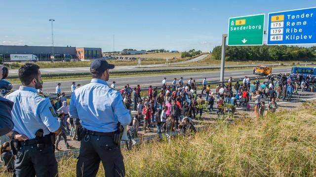 Wznowiono ruch drogowy między Niemcami a Danią wstrzymany z powodu uchodźców