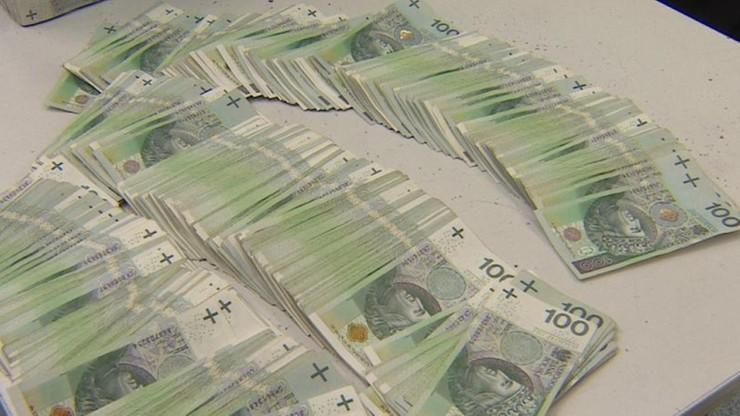 Ministerstwo finansów: deficyt mniejszy od planowanego