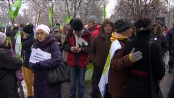 """17-01-2016 14:10 W Warszawie """"marsz entów"""" w obronie Puszczy Białowieskiej. """"Nie róbcie z puszczy lasu gospodarczego"""""""