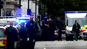 Samochód wjechał w ludzi przed muzeum w Londynie. Kilka osób rannych