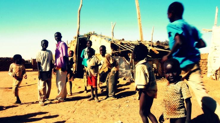 """""""Dzieci i niepełnosprawni byli paleni żywcem"""". Raport ONZ o Sudanie Płd."""